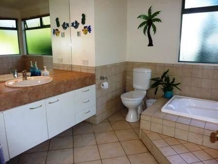 Bathroom (448 x 336)